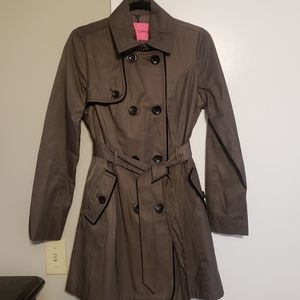 NWOT Betsy Johnson Trench Coat